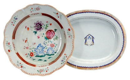 A CHINESE EXPORT PORCELAIN ARM