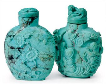 TWO CHINESE CARVED TURQUOISE SNUFF BOTTLES,