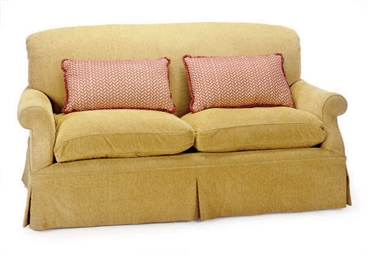 A CONTEMPORARY UPHOLSTERED LOV