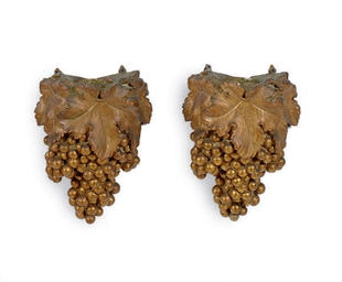 A PAIR OF GILTWOOD FIGURAL WAL