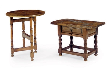 TWO OAK LOW TABLES,