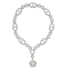 AN ART DECO DIAMOND PENDANT NE