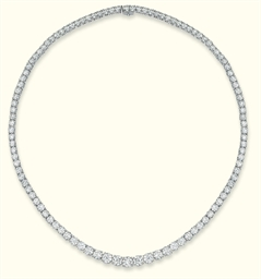 A DIAMOND LINE NECKLACE