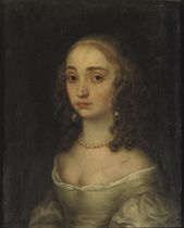 A portrait of Mary Henrietta Stuart I, bust-length, in a beige dress with a pearl necklace and earrings