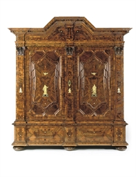 A German walnut, burr-walnut,