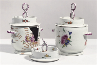 A set of two Thüringen porcela