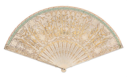 AN IVORY BRISÉ FAN