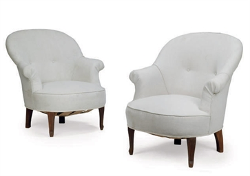 A PAIR OF BEECH TUB ARMCHAIRS