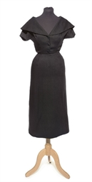 A BLACK LINEN DAY DRESS