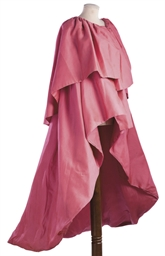 A VOLUMINOUS PINK SILK GAZAR E