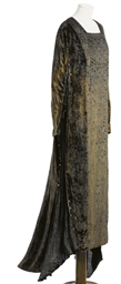 A LONG, MEDIEVAL STYLE GOWN