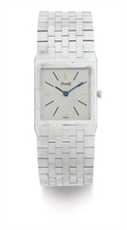 PIAGET.  AN 18K WHITE GOLD WRI