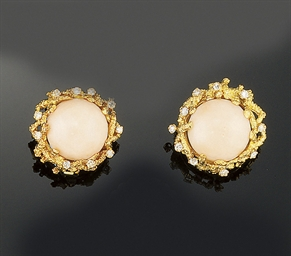 A pair of 18ct. gold coral and