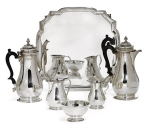 A MATCHED FIVE-PIECE SILVER CO