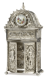 A GERMAN SILVER JEWELLERY BOX