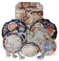 A GROUP OF JAPANESE IMARI PORC