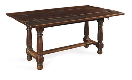 AN OAK DROP-LEAF DINING TABLE,
