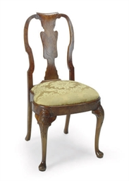 AN ENGLISH ELM SIDE CHAIR,
