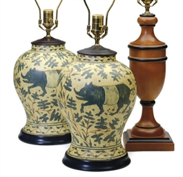 A PAIR OF PAINTED TABLE LAMPS,