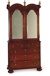 AN ENGLISH MAHOGANY AND MIRROR