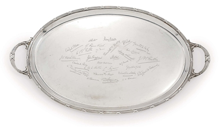 A GEORGE V OVAL SILVER TWO-HAN