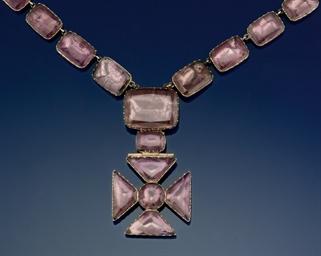 An Georgian foiled quartz neck