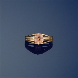 A coloured sapphire ring