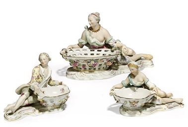 A PAIR OF MEISSEN FIGURAL SWEE