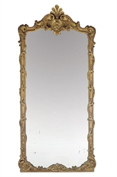 A FRENCH GILTWOOD MIRROR