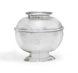 A GEORGE I SILVER SUGAR BOWL A