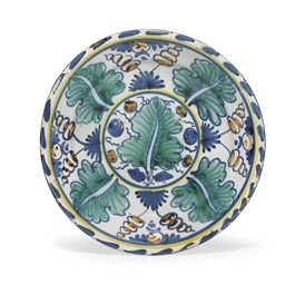 AN ENGLISH DELFT 'OAK-LEAF' CH