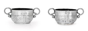 A RARE SILVER MINIATURE CAUDLE CUP