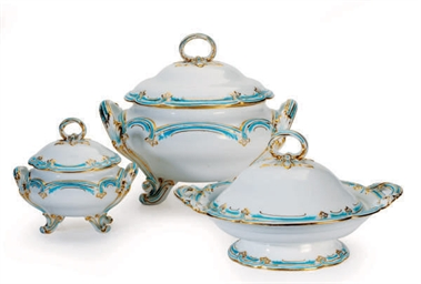 AN ENGLISH PORCELAIN TURQUOISE