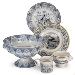 AN ENGLISH PORCELAIN PART DINN