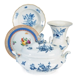 A GROUP OF GERMAN PORCELAIN TA