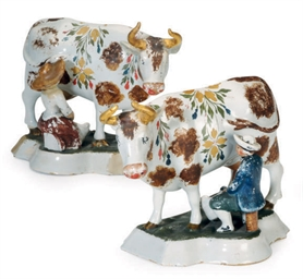 A PAIR OF CONTINENTAL DELFT CO