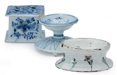 A DUTCH DELFT FOOD WARMER AND