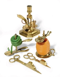 A GROUP OF BRASS LIGHTING ARTI