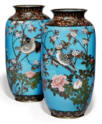 A PAIR OF JAPANESE CLOISONNÉ E
