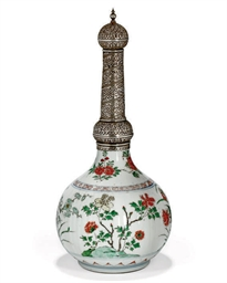 A CHINESE IMARI-STYLE EXPORT W