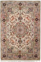 A fine part silk Kashan carpet
