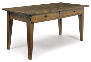 A FRENCH WALNUT FARMHOUSE TABL