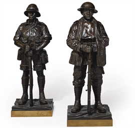 A PAIR OF BRONZE FIGURES OF WO