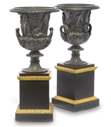 A PAIR OF LARGE BRONZE MODELS