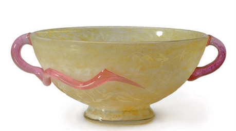 A FRENCH ETCHED GLASS BOWL WIT