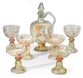 A FRENCH GILT GLASS DRINKWARE