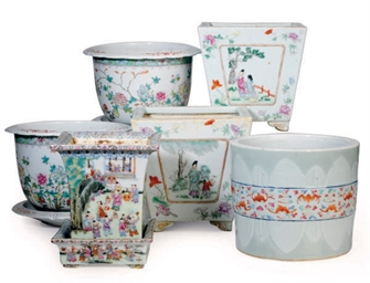 SEVEN CHINESE PORCELAIN FAMILL