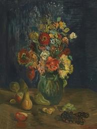 Vase de fleurs et fruits