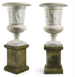 A PAIR OF FRENCH CARVED MARBLE