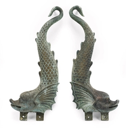 A PAIR OF BRONZE DOLPHIN FOUNT